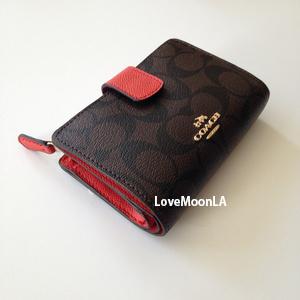 【COACH】新色☆シグネチャー二つ折り財布F53562☆brown/carmine